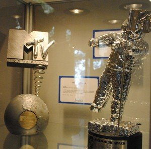 """The iconic """"Moon Man"""" (now """"Moon Person"""") statue VMA winners receive"""